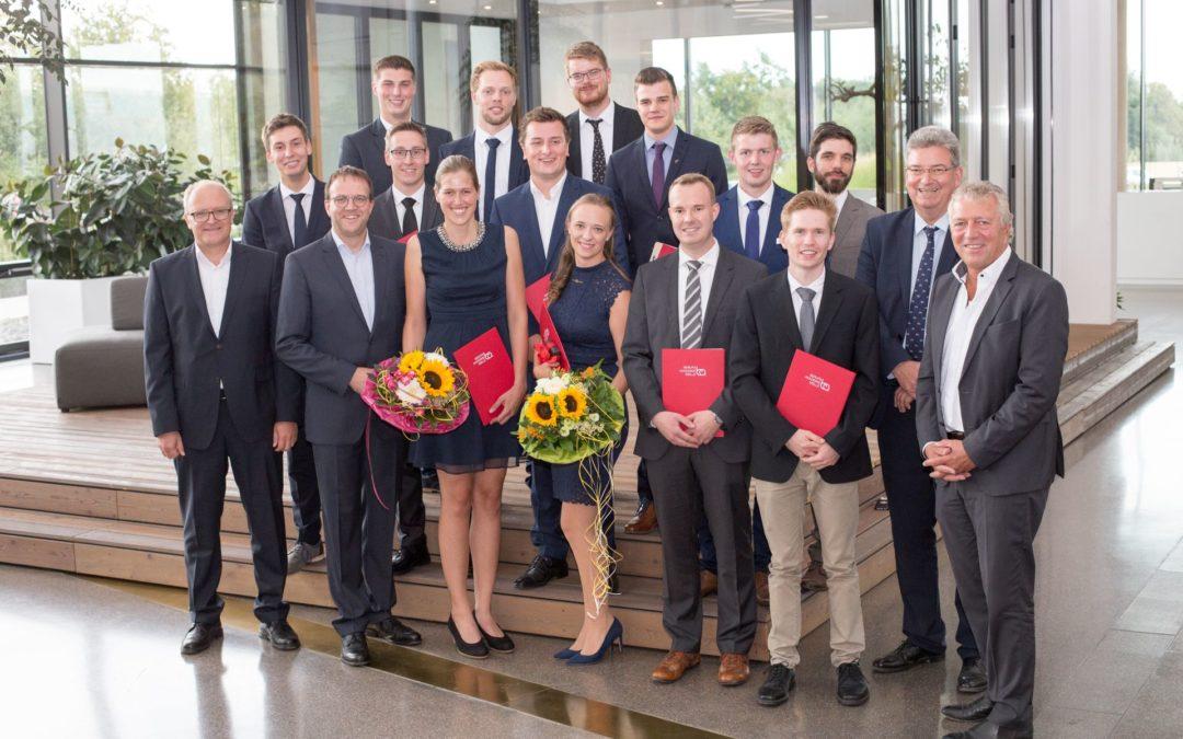 Berufsakademie melle verabschiedet 14 absolventen for Ingenieur holztechnik